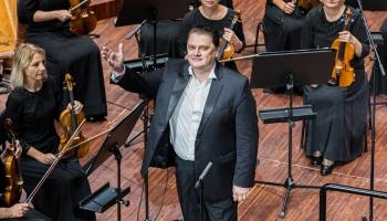 """Aleksandrs Antoņenko, LSO un diriģents Gintars Rinkēvičs koncertzālē """"Lielais dzintars"""""""
