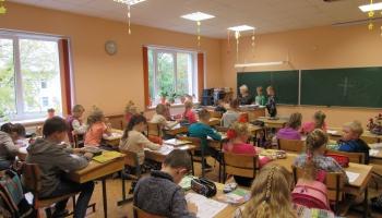 Izglītības un zinātnes ministrija ziņo par sešgadnieku reformu