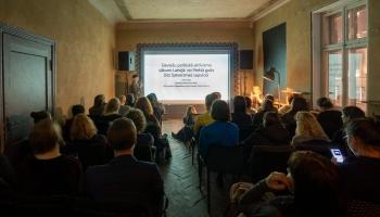Kādu vēstures notikumu atceri Latvijā svinēt Starptautiskajā sieviešu solidaritātes dienā