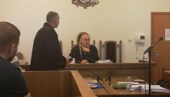 Суд над альфонсом-вымогателем Дайрисом: попытка очередного шоу провалилась