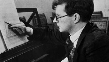 Dmitrija Šostakoviča 4. un 11. simfonija Nelsona, Kitajenko un Mravinska interpretācijās