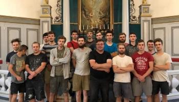 Rīgas mākslas un mediju tehnikuma audzēkņi atjauno baznīcu interjerus