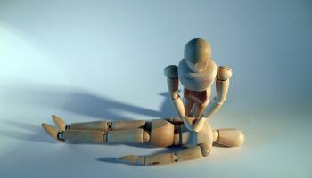 Kā spēles elementi tiek izmantoti prasmju uzlabošanai medicīnā