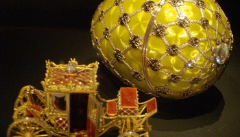 11. jūnijs. Izsolē par 1375000 dolāriem pardod Karla Faberžē darināto Lieldienu olu