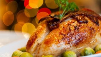 Питание в праздники: как не съесть и не выпить лишнего?