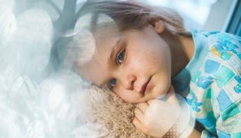 Ārste: Vakcinējot grūtnieci pret garo klepu, var pasargāt bērniņu no šīs slimības