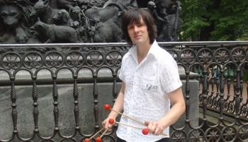 Aleksejs Čižiks: Kad no visiem instrumentiem biju atteicies, mamma teica – spēlēsi bungas!