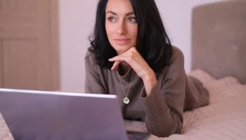 Косметолог Оксана Карпикова: Улыбайтесь чаще и будете красивыми