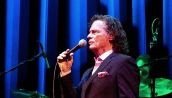 Amerikāņu dziedātājs Bī Džei Tomass bija iecienījis dažādus mūzikas stilus
