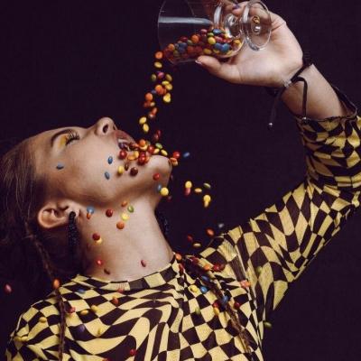 """Loreta Reide un Klāvs Ozols nonākuši TOP15 un viņiem līdzi singls """"Ieroči"""""""