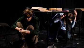 «Dirty Deal Teatro» izrāde «Piramīda» - par satikšanos ar sevi