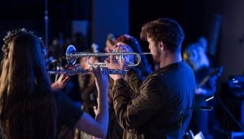 Сегодня начался шестой фестиваль современной музыки «Децибел»