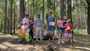 Как научить ребенка выживать в лесу?