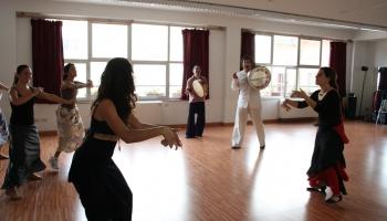 Tarantella – ugunīga itāļu tautas deja, kurai ciešs sakars arī ar zirnekļiem...