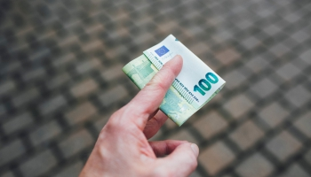Nodokļu reforma: iecerēts ieviest minimālo sociālo iemaksu katram strādājošajam