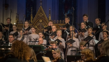 """Jauniešu kora """"Kamēr…"""" 30 gadu jubilejas koncerts Rīgas Domā"""
