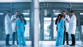 Aktuāli: mediķu algas, Covid-19 un viesstrādnieki Latvijā