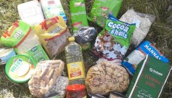 Pārtikas pakas skolēniem ārkārtas situācijas laikā: dažādi pašvaldību risinājumi