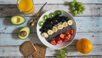 Latvijas iedzīvotāju priekšstati par veselīgu uzturu jeb veselīga iedzīvotāja portrets