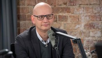 """Aktualitātes diasporā. Komentē portāla """"Latviesi.com"""" galvenais redaktors Kristaps Grasis"""