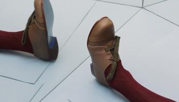 Modē apavi ar raksturu