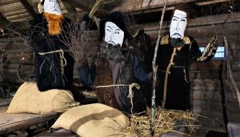 """Vakarēšana KTMC """"Ritums"""" un masku izstāde Latvijas Etnogrāfiskajā brīvdabas muzejā"""