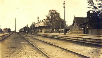 Vai zini, ka viena no nozīmīgākajām cariskās Krievijas dzelzceļa stacijām bija Kārsava?
