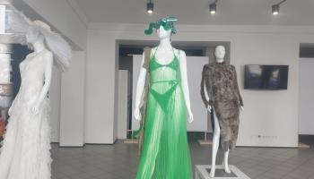 Mākslas akadēmiijas Dizaina diplomandu darbi aplūkojami Rīgas skatlogos