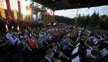 Dziesmu svētku pūtēju orķestru dižkoncerts Esplanādē