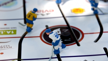 Turpinās gatavošanās pasaules čempionātam hokejā. Iepazīstam tenisisti Sabīni Rutlauku