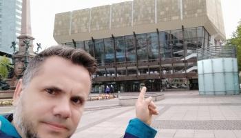 """Andri Dzenīti iedvesmo savu darbu atskaņojumi, Beļcovas izstāde un koncertzāle """"Latvija"""""""
