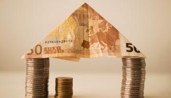 """Brīdinājums: Latvijas ekonomikā parādās """"trekno gadu"""" pazīmes"""