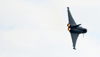 """Spānijas iznīcinātājs """"Eurofighter"""" nejauši izšāvis raķeti Igaunijas gaisa telpā"""