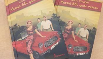 """Latviski klajā nācis slovāku autora Viliama Klimāčeka romāns """"Karstā 68.gada vasara"""""""