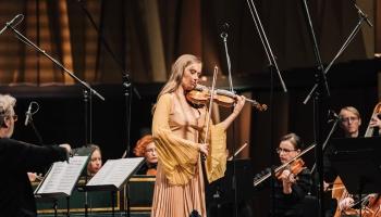"""Kristīne Balanas, Marija Fedotova un """"Kremerata Baltica"""" koncertzālē """"Cēsis"""""""