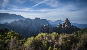 Viena no skaistākajām un grūtākājām Eiropas kalnu trasēm - GR 20 Korsikā!
