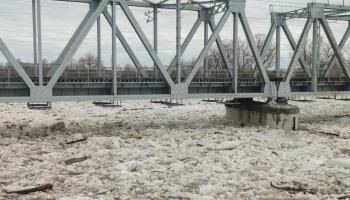 Ledus sastrēgumu dēļ cēlies ūdens līmenis Gaujā pie Carnikavas un Daugavā pie Zeļķiem