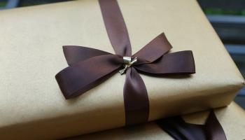 Благодарность доктору: что подарить, если взятки давать нелья, а поблагодарить хочется?