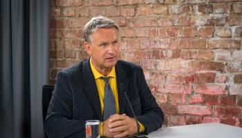 Kultūras ministrs sola runāt par situāciju Latvijas Radio ar Valsts prezidentu