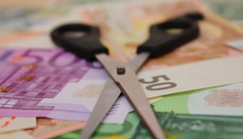 Долги по алиментам: кто и как их взыскивает