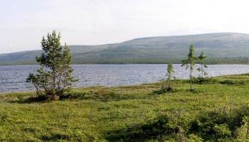 24. maijs. Padomju ģeologi uzsāk urbšanas darbus Kolas pussalā