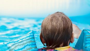 Bīstamās piemājas ūdenstilpnes. Pasargāt bērnu no nelaimes pagalmā
