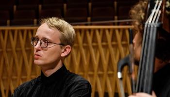Mocarts, Vasks, Vivaldi. K.Pētersons par klasiskās un populārās mūzikas līkločiem
