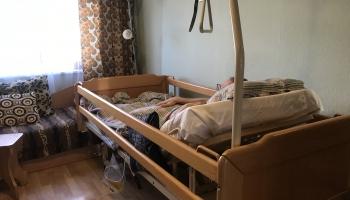 Izmisuma zonā aprūpētāji - radinieki. Bediķu ģimenes stāsts