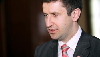 «Правительство может уйти в отставку». Домбровский о рисках налоговой реформы