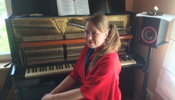 Igauņu dziedātāja un komponiste Mari Kalkuna: Ābeļu ziedēšanas laiks man ir īpašs