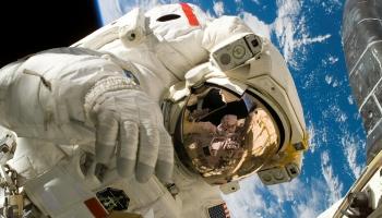 Зачем мы покоряем космос