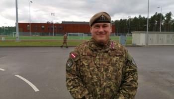 Virsseržants Pēteris Muižnieks: Ja nebūtu obligātā dienesta, es armijā nebūtu