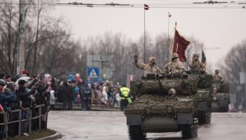 Latvijas Republikas proklamēšanas 101.gadadienai veltīta Latvijas NBS militārā parāde