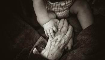 Bērnu pieskatīšana vasarā un vecvecāku pieredze iesaistoties